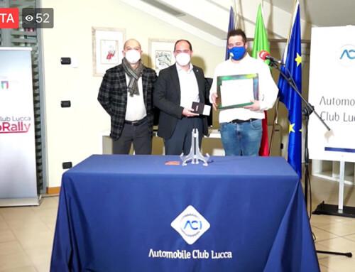 Premiazione ACI Lucca con i quadri realizzati dai ragazzi del Sogno Onlus